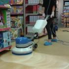 Action mécanique pour le nettoyage des moquettes